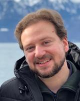 Dr. Nicolas Renier